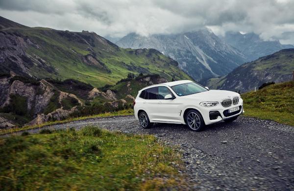 The new BMW X3 xDrive30e
