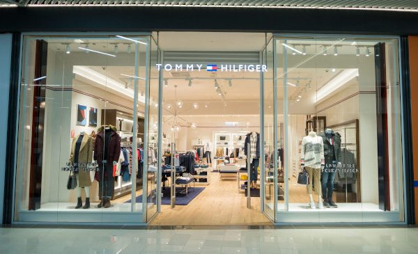 Tommy Hilfiger deschide un nou magazin în centrul comercial Promenada Sibiu