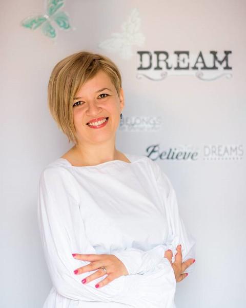 Alexandra Micu, Talent Center