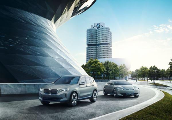 BMW Concept iX3 and BMW i Vision Dynamics
