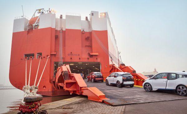 BMW Group continuă angajamentul pentru o logistică de transport cu emisii reduse