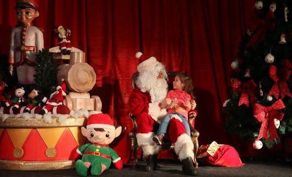 Ce e de făcut cu cei mici în weekendul de dinainte de Crăciun – jocuri pe alese, concursuri de cântat colinde și demonstrații de dans