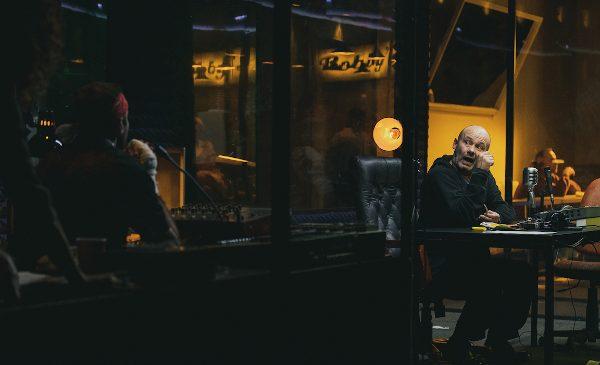 Oameni de radio pe scena Teatrului Național din Craiova, în spectacolul lui Bobi Pricop