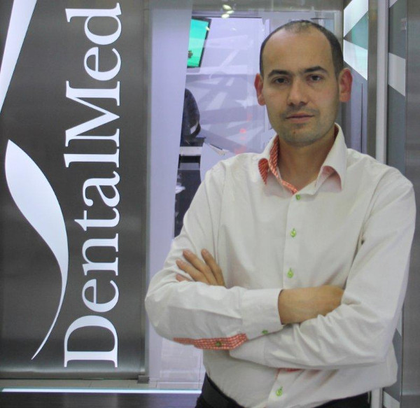 Răzvan Popescu, Dental Med