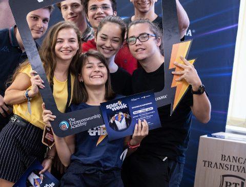 La a doua ediție a festivalului de antreprenoriat Spark Week, Banca Transilvania susține 5 liceeni cu burse integrale