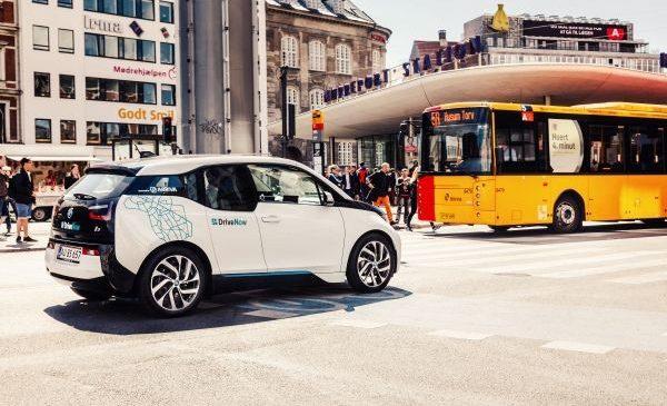 De la autobuze cu motoare BMW, la transport inteligent multimodal – 100 de ani de conexiuni între marca BMW şi mijloacele de transport în comun