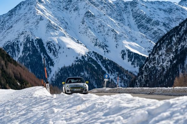 The mountain calls, the MINI Electric is coming