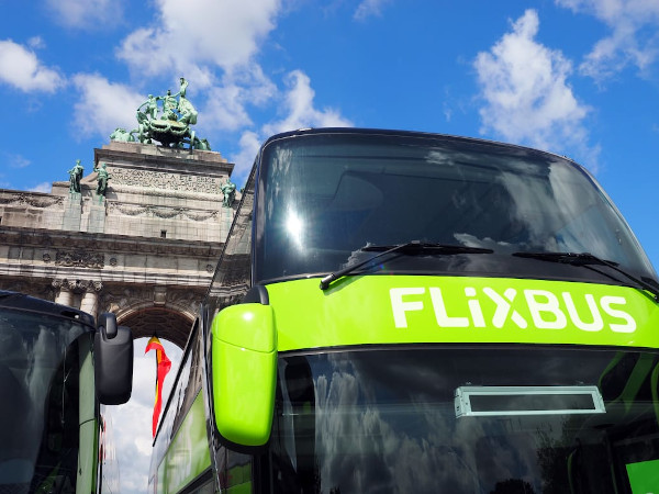 FlixBus 7 ani