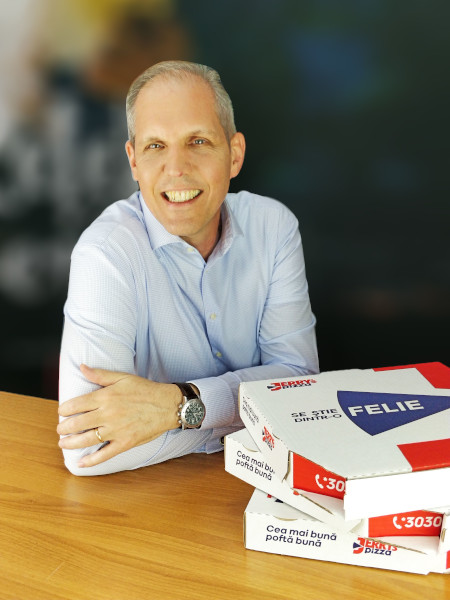 Jerry Dauteuil, General Manager Jerry's Pizza