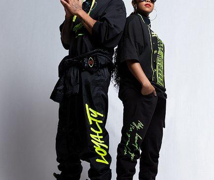 Tommy Hilfiger și Lewis Hamilton își surprind fanii cu prima colaborare alături de artista H.E.R.