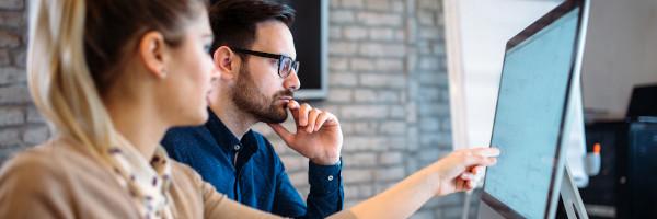 Trendurile aplicațiilor software de tip SaaS: personalizarea în funcție de industrie este principala cerință a companiilor
