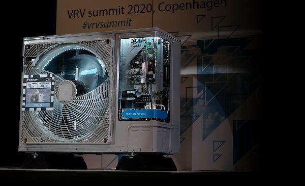 Cu un potențial de încălzire globală de sub o treime față de sistemele anterioare, Daikin lansează noul mini VRV 5