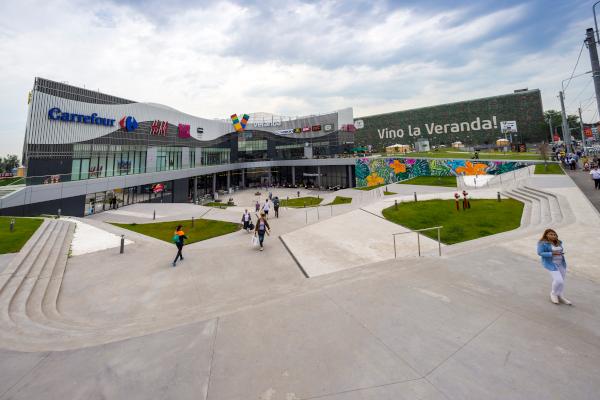 Veranda Mall gazduieste un oficiu al Postei Romane si un nou sediu pentru Evidenta Populatiei Sector 2