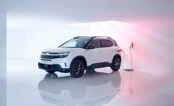 Citroën dezvăluie campania publicitară pentru lansarea C5 Aircross SUV HYBRID
