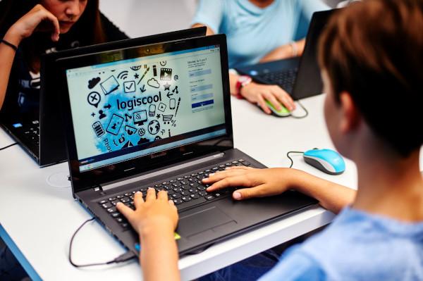 Logiscool_cursuri programare pentru copii online live diaspora