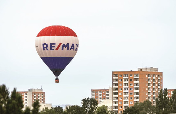balon eveniment REMAX