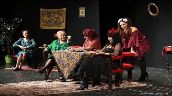 Cinci femei de tranziție