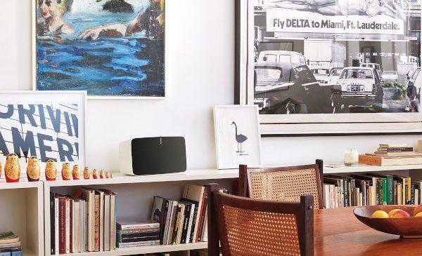 74% dintre oameni sunt mai puțin stresați și mai productivi atunci când ascultă muzică. Pentru experiențe de audiție excelente, Sonos aduce pe piața din România sistemele home audio multi-room premium wireless