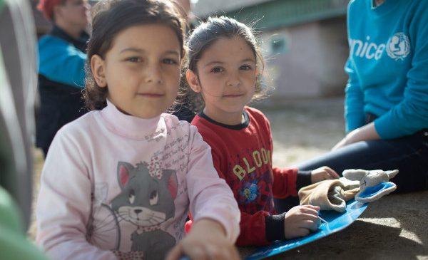 Raport UNICEF: Copiii și familiile vulnerabile au un acces tot mai redus la produse de bază, în contextul pandemiei de COVID-19