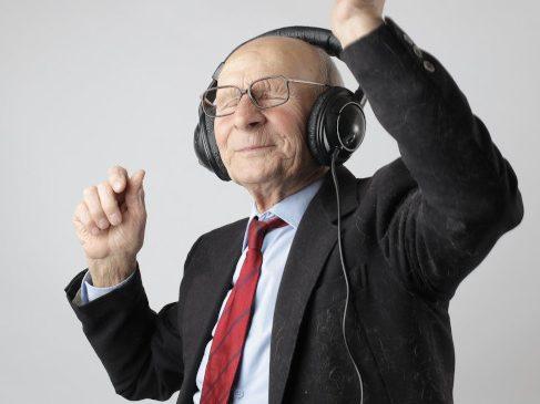 Sedentarismul ne îmbătrâneste! Află cum îl poți opri