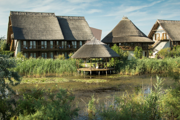 Green Village Resort foisoare proprii