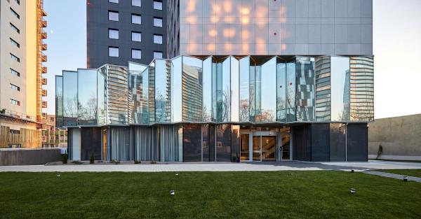 Guardian Glass furnizează sticla pentru fațadele vitrate ale primului hotel Courtyard by Marriott din România