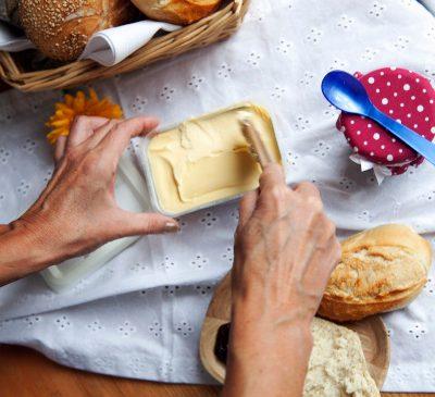 Mâncatul pe timp de pandemie – 9 din 10 români au gătit în timp ce numai 2 din 10 au comandat mâncare