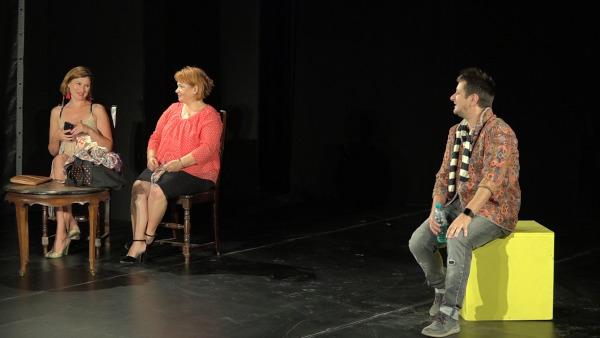 """Casa de Producție TVR vă invită să urmăriți premiera pentru televiziune: """"Cum se face"""""""