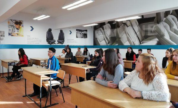 Încep înscrierile în noua clasă de învățământ dual susținută de ADIENT TRIM Ploiești, la liceul Anghel Saligny