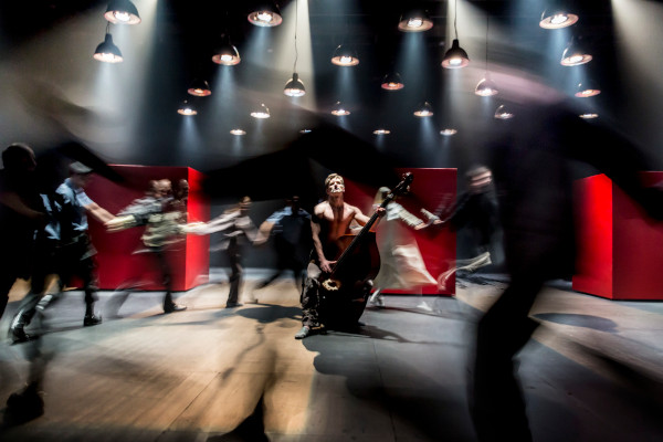 Measure for Measure_Cheek by Jowl. Foto credit Johan Persson