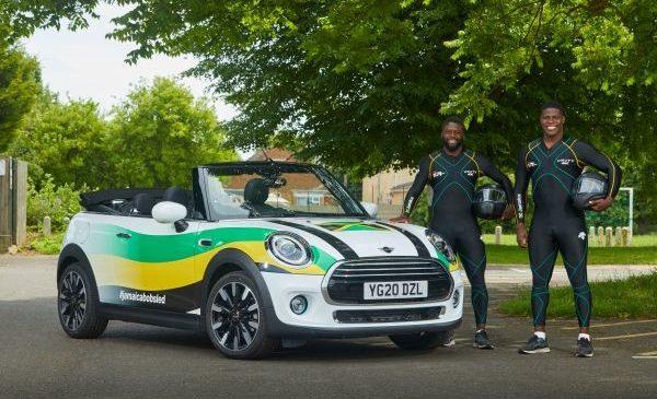 Warm Runnings: echipa de bob a Jamaicăi se antrenează cu MINI Cabriolet