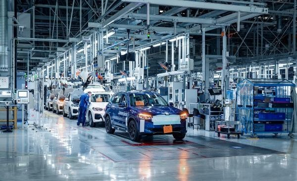 Pregătirile pentru începerea producţiei BMW iX3 decurg conform planului