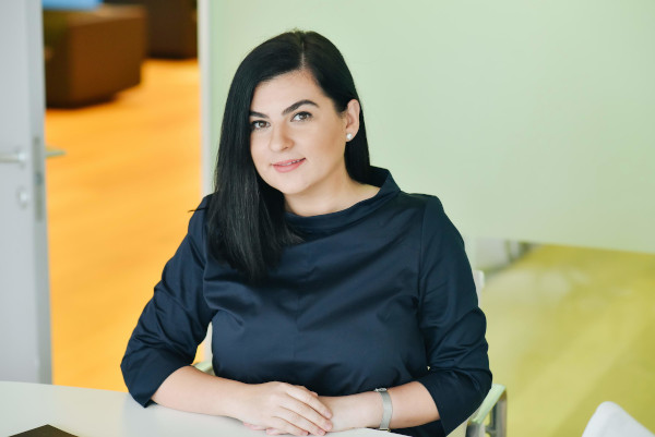 Victoria Dobre, Deloitte