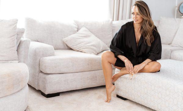 Andreea Raicu lansează 7 Senses, o colecție feminină de homewear & sleepwear în ediție limitată