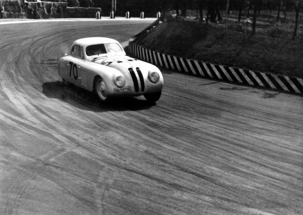 BMW 328 Touring Coupé during the 1st Italian Mille Miglia Grand Prix in Brescia, April 28, 1940