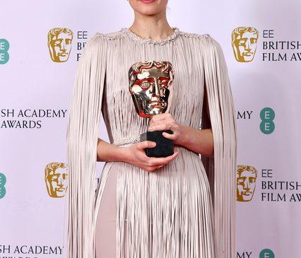 """Câştigătoarea Golden Globe şi a Oscarului pentru muzica filmului """"Joker"""" a compus coloana sonoră pentru """"Fantomele fiordului"""", de la TVR 1"""