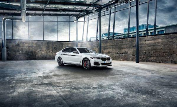 Gamă largă de accesorii BMW M Performance pentru noile BMW Seria 5, BMW M5 şi BMW M5 Competition