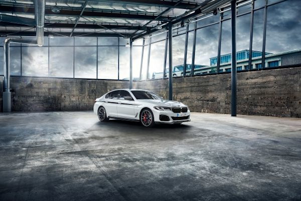 The new BMW 5 Series, BMW M Performance Parts