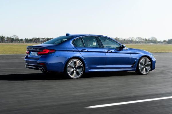 The new BMW 530e xDrive Sedan, Phytonic blue metallic, M Sport package