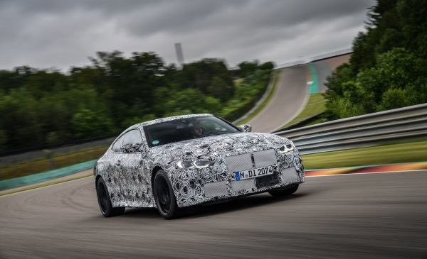 Sprintul final spre prima linie a grilei de start: noile BMW M3 Sedan şi BMW M4 Coupé pe circuit