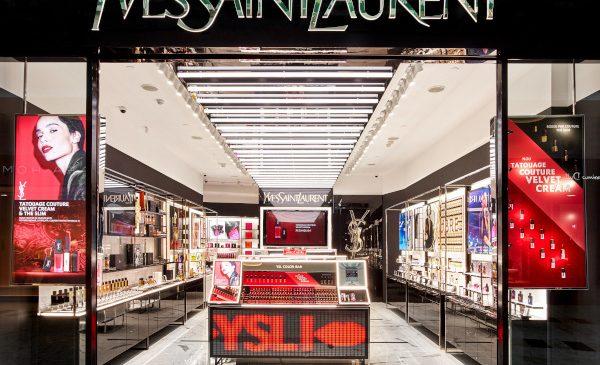 Yves Saint Laurent Beauty a deschis primul boutique din Europa, la București, în Băneasa Shopping City