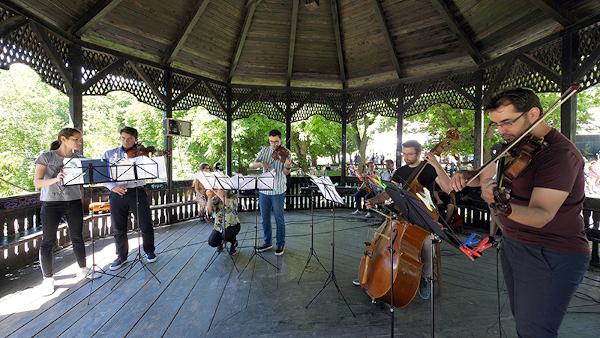 """Festivalul Internațional """"Enescu și muzica lumii"""" se încheie pe 19 august la Sinaia cu Romanian Sinfonietta Orchestra"""