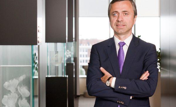 PwC CEO Survey: Patru din cinci directori generali se așteaptă ca munca de la distanță să continue pe termen lung