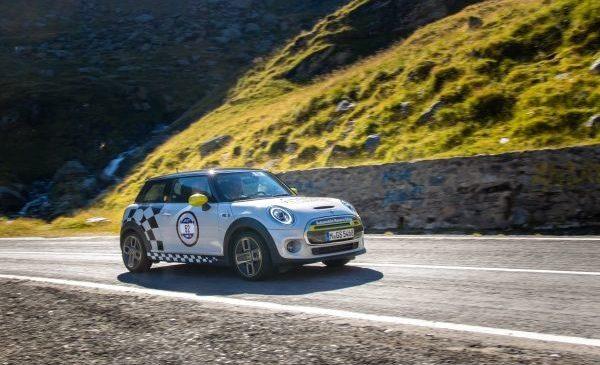 Primul MINI Electric de competiţie din istorie este pregătit în România: Vitesco Technologies MINI Electric Racing