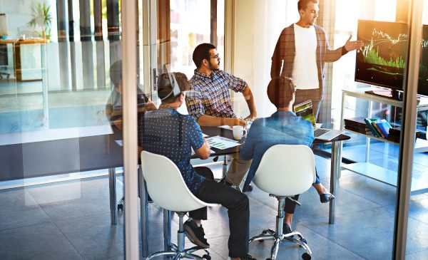 Un nou studiu arată că specialiștii din domeniul IT sunt mai îngrijorați de securitatea datelor din corporațiile în care lucrează decât de securitatea propriei case