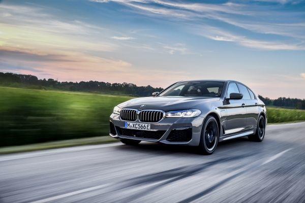 The new BMW 545e xDrive Sedan