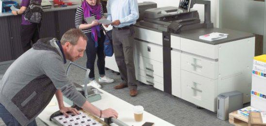 Sharp Electronics și Corner Solutions anunță un nou parteneriat de distribuție