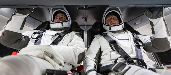 Astronautii Bob Behnken si Doug Hurley
