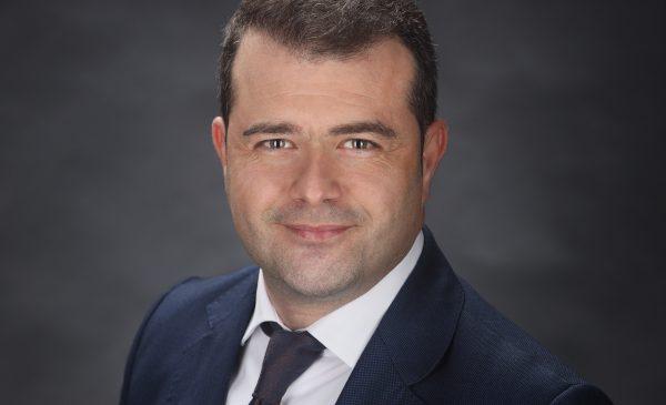 """Cu 500.000 de euro fonduri europene, EMS FLOOR GROUP deschide prima """"Școală de aplicatori din domeniul pardoselilor sintetice și hidroizolațiilor"""" din România"""