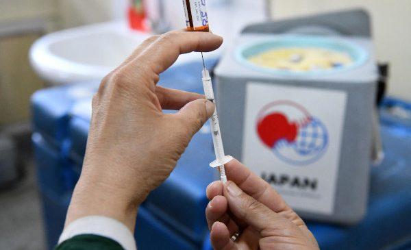 UNICEF va crea stocuri de peste jumătate de miliard de seringi până la finalul anului, în anticiparea vaccinării împotriva COVID-19